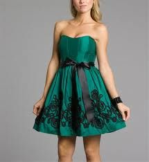Short Lacey emerald green prom dress