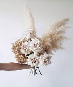 Terrific Totally Free Bridal Bouquet ribbon Tips As one of the most vital and elegant equipment of an woman, the bridal bouquet addresses amounts reg Elegant Wedding, Boho Wedding, Floral Wedding, Dream Wedding, Wedding Dress, Fall Bouquets, Bride Bouquets, Floral Centerpieces, Flower Arrangements