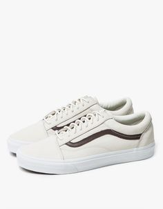 30 Best kasut images | Sneakers, Vans shoes, Me too shoes