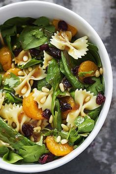Mandarin Pasta Spinach Salad with Teriyaki Dressing Save Print Prep time 15 mins Total time 15 min Salad Recipes Video, Pasta Salad Recipes, Easy Dinner Recipes, Easy Meals, Dinner Ideas, Thanksgiving Recipes, Healthy Eating, Lunch, Healthy Recipes