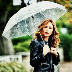 burçin terzioğlu Tired Of Love, Aladdin Movie, Under My Umbrella, Turkish Beauty, Turkish Actors, My Idol, Actors & Actresses, Acting, Turkish Delight
