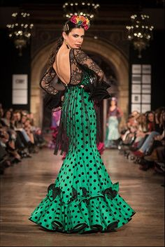 Colección de trajes de flamenca 2015 - Manuela Macías Moda Flamenca Frilly Dresses, 15 Dresses, Fashion Dresses, Flamenco Costume, Flamenco Dancers, Spanish Dress Flamenco, Flamenco Dresses, Spanish Style Weddings, Spanish Fashion
