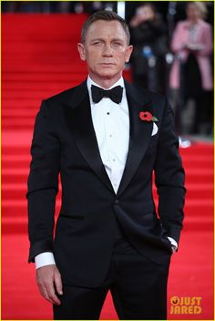 Daniel Craig = James Bond