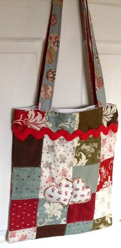 Patchwork tote with applique by fionasLoveQuilts on Etsy, £20.00