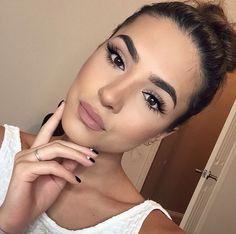 36 Cute Everyday Makeup Ideas for Work - Makeup İdeas Fairy Natural Everyday Makeup, Natural Eye Makeup, Blue Eye Makeup, Skin Makeup, Wedding Makeup Tips, Wedding Makeup Looks, Bridal Makeup, Make Up Looks, Make Up For Work