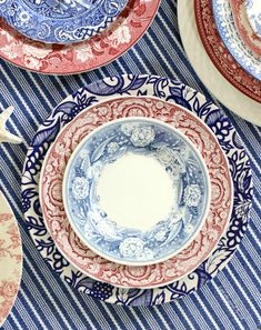 red, white and blue table settings Classic Home Decor, Cute Home Decor, Vintage Home Decor, Home Decor Quotes, Home Decor Pictures, Hippie Home Decor, Indian Home Decor, Cheap Wall Decor, Cheap Home Decor