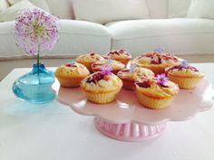 Muffins mit Erdbeeren, Äpfel und Mandeln