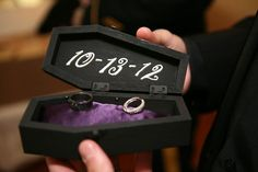 gothic jewelry box diy DIY Ring Box Coffin - Let's talk about the fashion going on here: black lace, Doc Martens, brocade tail coat, leather harness, and spiked Jeffrey Campbells — it's a gothic wonderland of noir chic. Gothic Wedding Rings, Gothic Engagement Ring, Skull Wedding, Wedding Rings Rose Gold, Gothic Wedding Ideas, Zombie Wedding, Medieval Wedding, Horror Wedding, Vampire Wedding