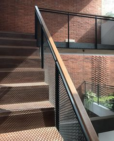 Mesh for Balcony Railing . Mesh for Balcony Railing . Metal Stair Railing, Balcony Railing Design, Stair Handrail, Staircase Railings, Staircase Design, Stairways, Staircase Ideas, Interior Balcony, Exterior Stairs