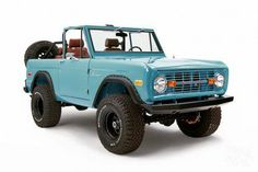 Vintage Trucks 1971 Ford Bronco by Classic Ford Broncos - Gear Patrol - Every vintage has a special place in our hearts, but this by Ohio's Classic Ford Broncos is ticking all the right boxes. Classic Bronco, Classic Ford Broncos, Chevy Classic, Ford Classic Cars, Classic Chevy Trucks, Pickup Auto, Old Pickup Trucks, Lifted Trucks, Lifted Ford
