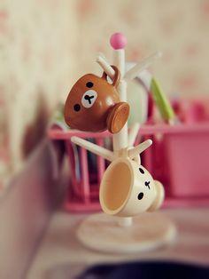 miniature mugs and rack