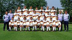 Die deutsche Fußballnationalmannschaft in 1990.