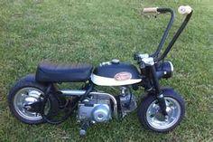 mini bike ape hangers // little boys will be boys Small Motorcycles, Concept Motorcycles, Trike Bicycle, Motorcycle Bike, Honda Z50, Mini Chopper, Stunt Bike, Ape Hangers, Drift Trike