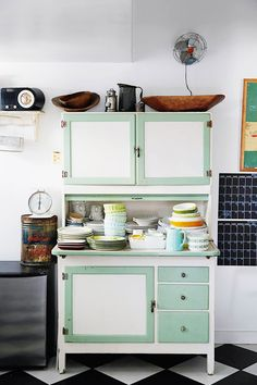 unexpected guests: lisa solomon's kitchen makeover / sfgirlbybay