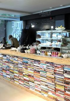 The bookish cafes in this list including Helsinki s Think Corner are full of cool bookshelves and decorating ideas Helsinki, Cozy Coffee Shop, Coffee Shop Design, Cafe Interior Design, Cafe Design, Cafe Interior Vintage, Cozy Cafe Interior, Vintage Cafe, Cafe Shop