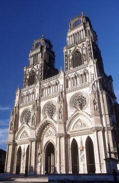 Loiret : Orléans : Cathédrale Sainte Croix (XIIe-XIVe siècle), de style gothique.