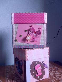 cajas decoradas con técnica de scrapbooking.