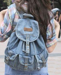 mochilas tela vaquera - Buscar con Google Jean Backpack, Backpack Bags, Fabric Bags, Denim Fabric, Mochila Jeans, Jean Purses, Diy Bags Patterns, Unique Handbags, Denim Purse