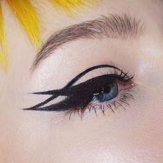 How to apply eyeliner perfectly to your eye shape - Makeup İdeas - How to . - How to apply eyeliner perfectly to your eye shape – Makeup İdeas – How to … How do I apply e - Edgy Makeup, Makeup Goals, Makeup Inspo, Makeup Ideas, Makeup Style, Makeup Tutorials, Makeup Inspiration, Makeup Tips, Cheap Makeup
