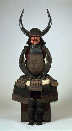 徳川家康 Tokugawa Ieyasu (1542 – 1616). Momoyama - Edo / 16th-17th century. 熊毛植黒糸威具足 くまげうえくろいとおどしぐそく 桃山-江戸/16-17世紀 一領 徳川家康所用 Press release, 2016 marks the 400th year since the death of Shogun Tokugawa Ieyasu.: http://www.hpam.jp/upload/news/667/1.pdf