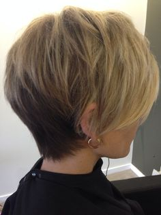 Love how the blonde blends to the back.