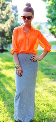Gray jersey knit maxi. I am really loving the outfit colors