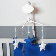 """Mobile musical """"Star jeans"""", blue jean, made in france, Nanelle X Trousselier, mobile bébé, étoile, blue"""