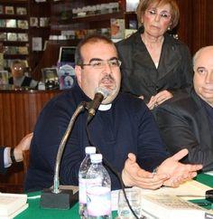 Don Stefano, Papa Francesco e Lampedusa: oasi di speranza - Padre Stefano Nastasi, parroco di Lampedusa scrive a Papa
