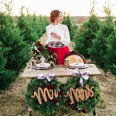 This afternoon we are getting extra festive with these simply stunning wedding ideas set at St. Nick's Christmas Tree Farm 🎄⠀ Link in bio.⠀ Image @loriblythephotography⠀ Planner @girlfridayevents⠀ Rentals @sistersvintageparty⠀ Flowers @theflowerpail⠀ Model @cammieoxo⠀ MUA @brandyatjayandco⠀ Calligraphy @hp.lettering @fritztownlettering⠀