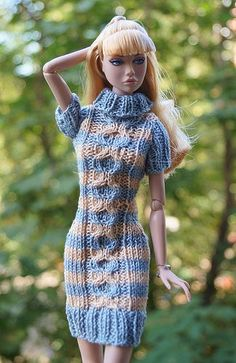 Coisas que Gosto: MODA CROCHE Barbie Clothes Patterns, Crochet Barbie Clothes, Knitting Dolls Clothes, Knitted Dolls, Crochet Barbie Patterns, Barbie Paper Dolls, Barbie Wardrobe, Clothes Crafts, Barbie Dress