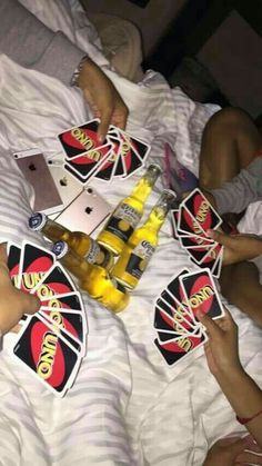 Starting the sleepover with my friends - Starting the sleepover with my friends - Bad Girl Aesthetic, Summer Aesthetic, Aesthetic Food, Night Aesthetic, Best Friend Pictures, Bff Pictures, Party Pictures, Summer Pictures, Beach Pictures