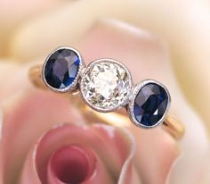18k Gold Sapphire Diamond Trilogy Ring - Spectacular!