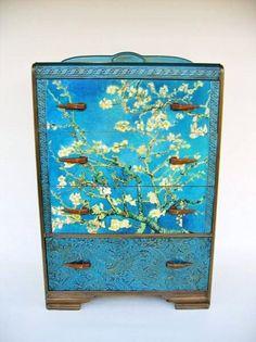 爱 Chinoiserie? Mai Qui! 爱  home decor in chinoiserie style - Antique Deco Van Gogh Dresser in Asian Style