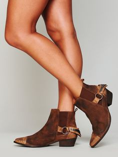 Free People Sparrow Chelsea Boot http://www.freepeople.co.uk/whats-new/sparrow-chelsea-boot/