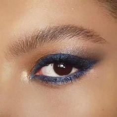 Makeup Is Life, Makeup Geek, Makeup Inspo, Eye Palette, Eyeshadow Palette, Eyeshadow Makeup, Gold Makeup Looks, Blue Eye Makeup, Charlotte Tilbury