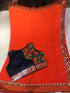 Elegant Fashion Wear Explore the trendy fashion wear by different stores from India Kanjivaram Sarees Silk, Pure Silk Sarees, Silk Saree Blouse Designs, Blouse Patterns, Elegant Fashion Wear, Trendy Fashion, Plain Saree With Heavy Blouse, Elegant Saree, Fancy Sarees