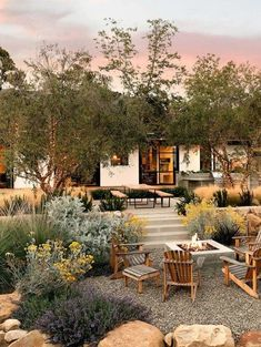 House Tour: Midcentury ranch house gets inspiring makeover in Montecito Montecito family home gets remarkable indoor-outdoor makeover Indoor Outdoor Living, Outdoor Areas, Outdoor Rooms, Outdoor Decor, Outdoor Kitchens, Backyard Patio, Backyard Landscaping, Desert Backyard, Natural Landscaping