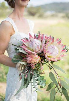 22 Tropical King Protea Wedding Bouquets Ideas!