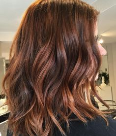 31 Copper Brunette Hair Color Ideas for This Spring 2019 Copper Brunette Hair Color Despite the constant increase in the number of current shades copper curls are still in trend. Thanks to a multitude of sh. Magenta Hair Colors, Pastel Purple Hair, Red Hair Color, Brown Hair Colors, Brown Hair Shades, Light Brown Hair, Ash Blonde Hair, Brunette Hair, Copper Balayage Brunette
