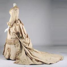 Wedding dress Designer: Mme. Fréderique Date: ca. 1872 Culture: American Medium: silkt