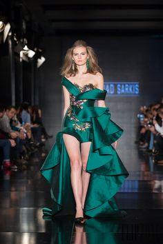 Fouad Sarkis Coleção 2015 - Alta-Costura - http://pt.flip-zone.com/fashion/couture-1/independant-designers/fouad-sarkis-5282