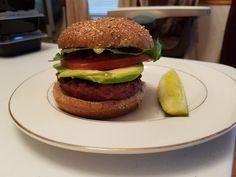 Meal Prep Services, Hamburger, Meals, Ethnic Recipes, Food, Meal, Hamburgers, Yemek, Yemek
