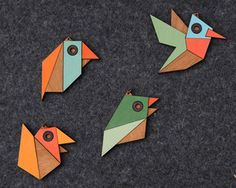 Geometric Bird Origami Necklace / Brooch by bRainbowshop on Etsy, Geometric Bird, Geometric Shapes, Retro Color Palette, Hummingbird Necklace, Origami And Quilling, Origami Art, Tangram, Origami Necklace, Paperclay