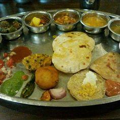 Foods from Gujrat Gujarati Food, Gujarati Recipes, Indian Food Recipes, Vegetarian Recipes, Cooking Recipes, Ethnic Recipes, Restaurant Reservations, Indian Breakfast