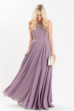 Helloooooo gorgeous! The stunning flow and backless cut of this dress is completely irresistible. We're just as obsessed with the dreamy light purple color as we are of the elegant flowy skirt. 100% P