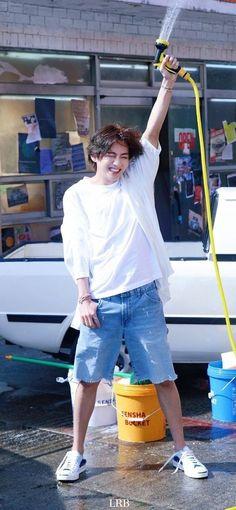 Foto Bts, Foto Jungkook, Taehyung Abs, Kim Taehyung Funny, Daegu, V Bta, V Smile, V Bts Cute, V Video