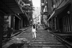Old Hong Kong feel while wandering near Central old district in particular shoot in black and white  #travel #hongkong  #central #pottingerstreet #blackandwhite #limkimkeong #limkimkeong_asia #limkimkeong_hongkong #旅行 #香港 #中環  #黑白 #石板街