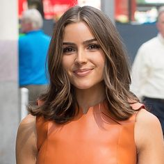 """Olivia Culpo According to the Fugate, the key to Culpo's enviable, flippy ends is not actually anything specific about her style or cut—it's the length that makes the difference. """"When your ends fall between your collarbones and shoulders, you'll naturally have that flip because of where they sit,"""" he says. """"It doesn't have the weight like long hair has, so it's flirty."""""""