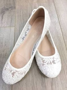Women Wedding Shoes, Bridesmaid Shoes - White lace flats, Perfect for brides, bridesmaid gifts, wedding party shoes Comfy Wedding Shoes, Wedding Shoes Bride, Wedding Boots, Lace Wedding Flats, Camo Wedding, Wedding White, Woodland Wedding, Wedding Rings, White Lace Flats