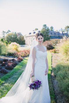 Photography: Siri Jones Photography - sirijonesphotography Floral Design: Wedding Flowers by Annette - weddingflowersbyannette.com  Read More: http://www.stylemepretty.com/2013/05/30/elm-bank-wellesley-wedding-from-siri-jones-photography/